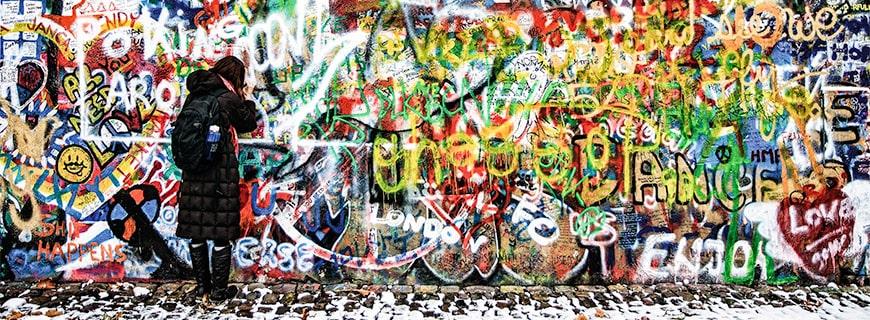 eine Graffiti Wand