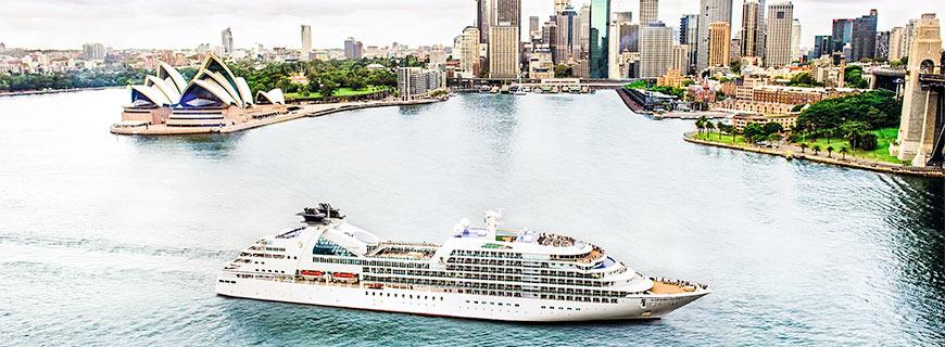 Ein Kreuzfahrtschiff in Sidney