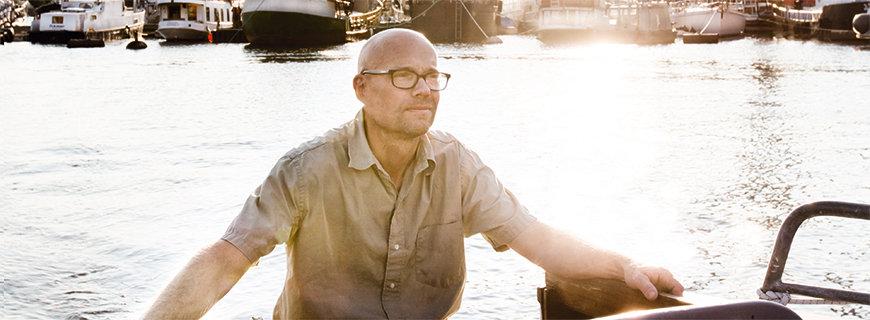 Magnus Ek auf seinem Boot