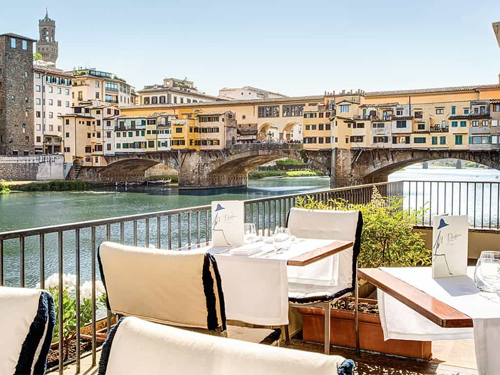 Traumhafter Ausblick: Hotel Lungarno am Fluss Arno