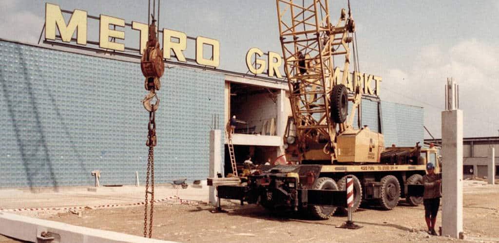 Der erste Markt außerhalb von Deutschland eröffnete in Vösendorf in Österreich 1984