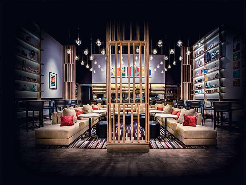 Vinophiles Wohnzimmer: Mit der Aldo Sohm Wine Bar in New York hat sich der Tiroler Weingott seinen Traum erfüllt.