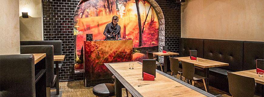 Fette Beats, geniale Burger und ein großer Tisch: Im Freigeist sollen sich die Gäste zuhause fühlen.