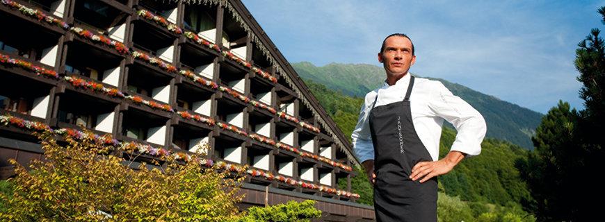 Jantscher vorm Löwen Hotel