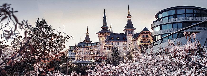 inzigartiges Ambiente: Das 5-Sterne-Hotel The Dolder Grand liegt am Westhang des Adlisbergs mit Blick über Zürich