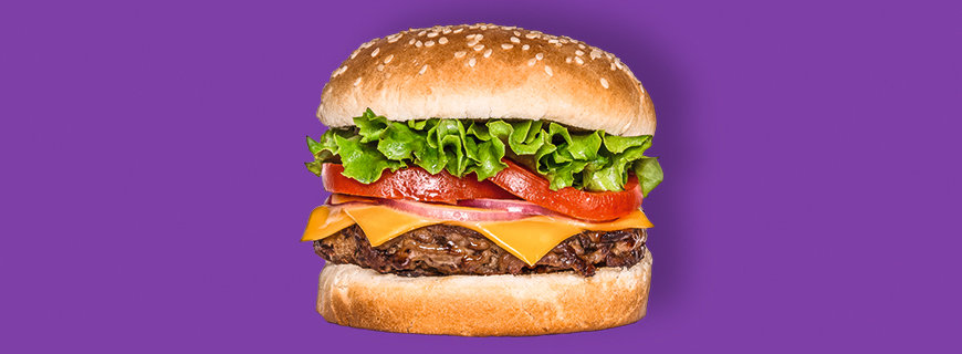 """Momofuku Nishi bietet den blutenden Burger von Impossible Food auf der Karte an: Optisch kaum von einem """"echten"""" zu unterscheiden. Damit sind die Produkte von Food-Start-ups offiziell in der Branchen-Gegenwart angekommen und nicht mehr nur reine Zukunftsmusik."""