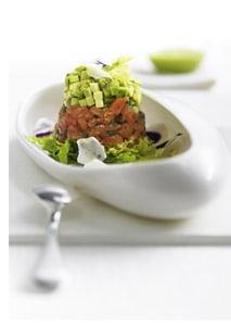 Römersalat mit Lachstatar und Avocado *