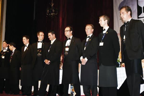 die Teilnehmer der Die Europameisterschaft der Sommeliers auf der Bühne