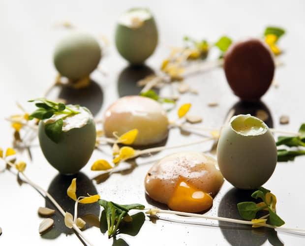 pochiertes Heirloom-Ei, Flageolet-Bohnen, Erbsen und Sommer-Trüffel