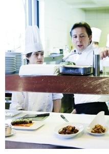 der 2 Sterne Koch Reitbauer in seinem Gastronomiekonzept