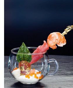 """""""Toro"""" vom Thunfisch mit Marronkrebs, Wasabicreme und Saiblingskaviar"""