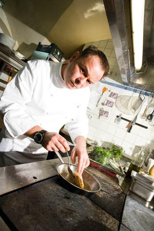 Tommy R. Möbius tüftelt in seiner Küche