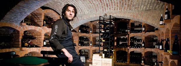 Markus Mraz im Weinkeller