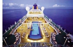 das Deck eines Kreuzfahrtschiffes
