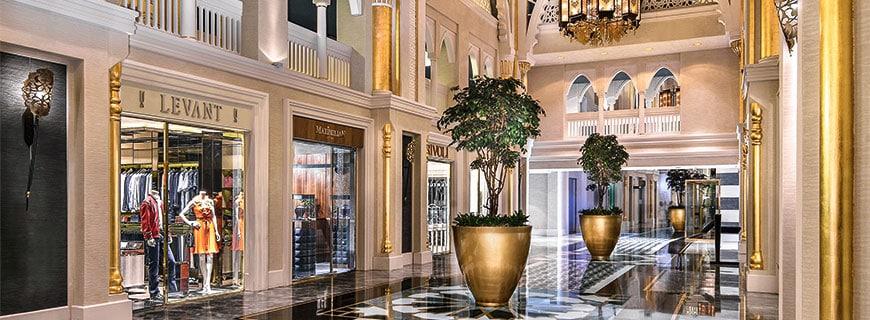 Luxus at its best: Mitten in Dubai stehen das 5-Sterne-Hotel Jumeirah Zabeel Saray und das Luxus-Familienhotel Jumeirah Madinat